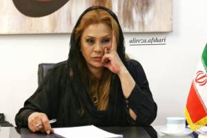نسرین مقانلو بازیگر 49 ساله در کنار خواهر 26 ساله اش روناک!+ عکس
