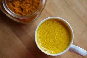 موثرترين روش براي مصرف زردچوبه استفاده آن به شکل چاي است