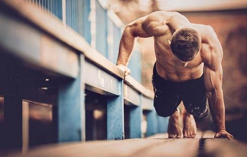 افزایش هورمون تستوسترون عضله سازی را راحت تر می کند