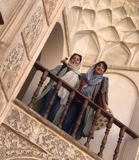 هانیه توسلی و خواهرش
