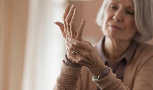 درد مفصل می تواند نشانه ابتلا به سرطان استخوان باشد