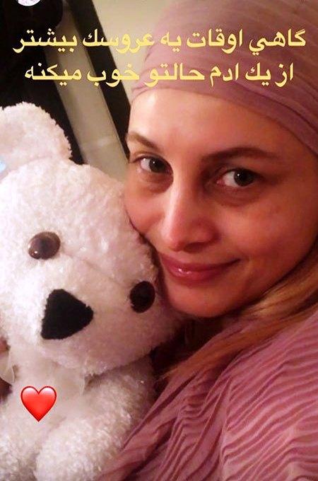 مریم کاویانی در کنار عروسکش