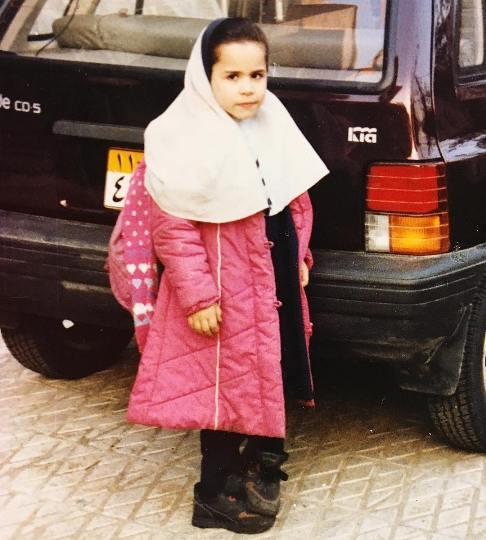 عکس ملیکا شریفی نیا در دوران مدرسه رفتنش
