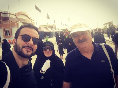 محمد سلوکی در کنار پدر و مادرش در پیاده روی کربلا!