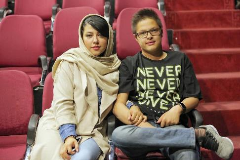 پریچهر قنبری و پسرش محمدامین حسینی