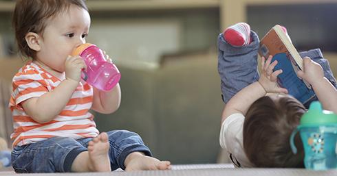 آب دادن به نوزاد تا قبل از 6 ماهگی ممنوع