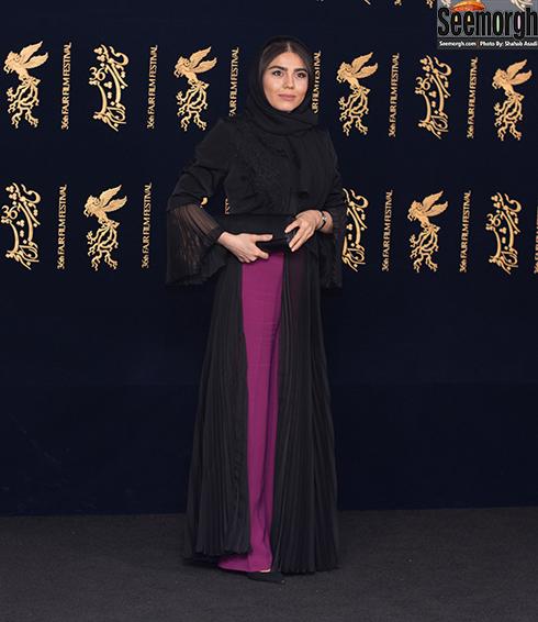 مدل مانتو بازیگران در هشتمین روز جشنواره فجر 96 - آزاده زارعی