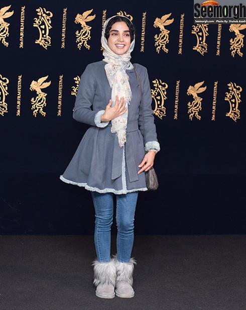 مدل مانتو بازیگران در هشتمین روز جشنواره فجر 96 - الهه حصاری