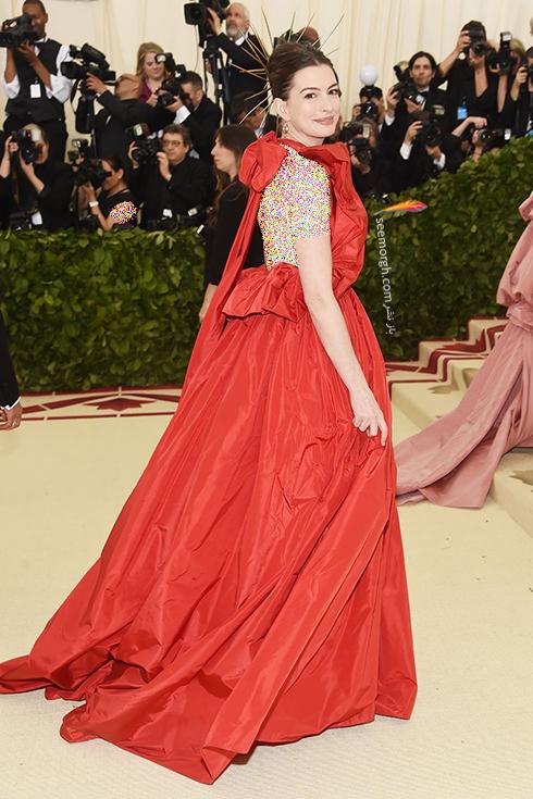 بدترین مدل لباس در مراسم مت گالا Met Gala 2018 - ان هتوی Anne Hathaway