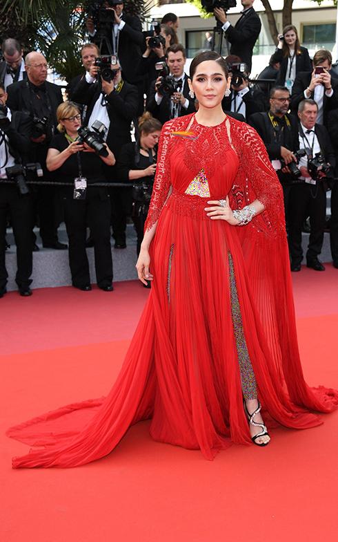 مدل لباس در افتتاحیه جشنواره کن 2018 Cannes - آریانا هارگیت Araya Hargate