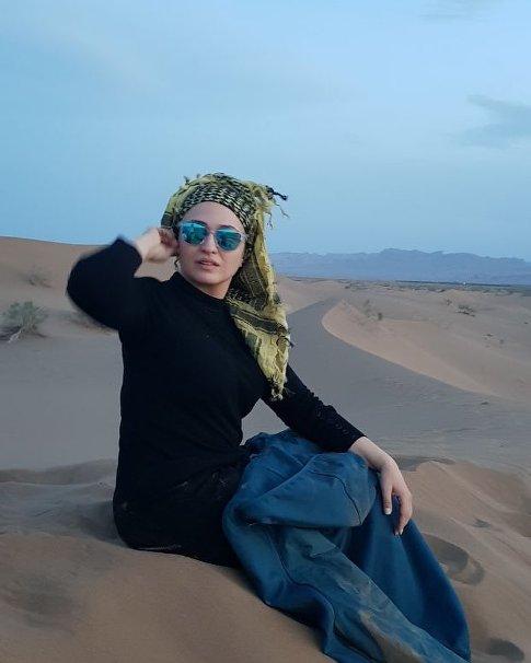 گلاره عباسی در کویر