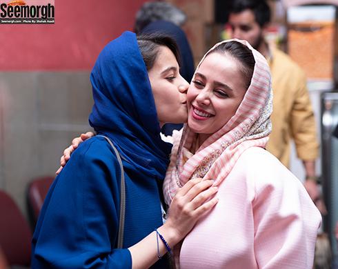 واکنش عاطفی یک طرفدار به الناز حبیبی در اکران مردمی خجالت نکش