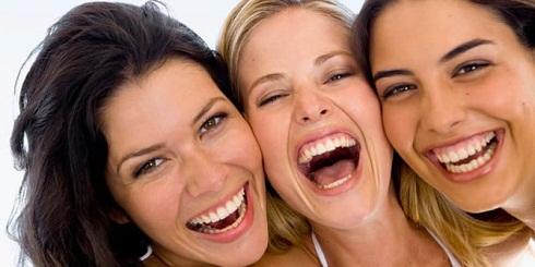 مثل بچهها بخندید و خوش بگذرانید