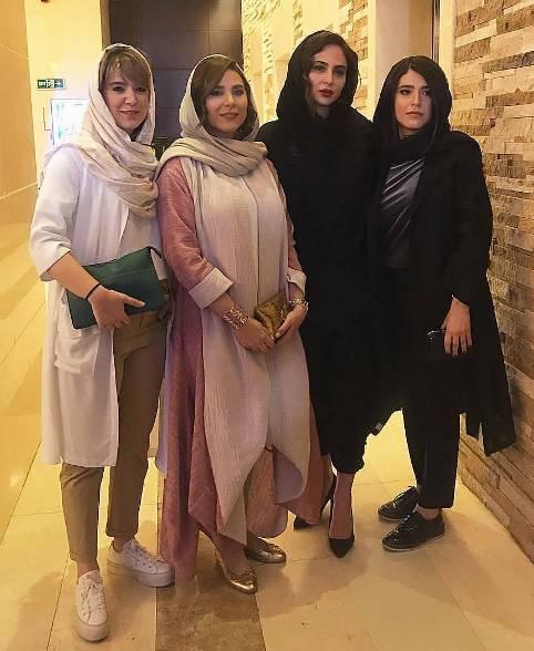 نسیم دولت شاهی نفر اول سمت راست تصویر