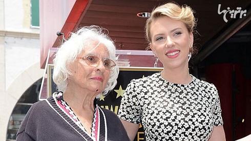 اسکارلت جوهانسون و مادربزرگش