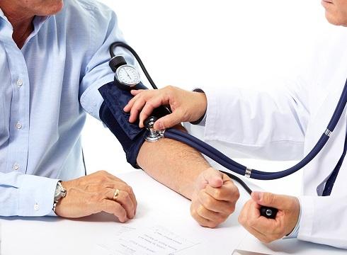 معاینه,معاینه بیمار توسط پزشک