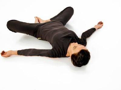 تقویت زانو با چند ورزش ساده و موثر پروانه خم شده