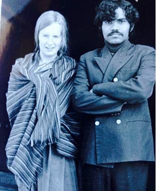 پراديومنا کومار و همسرش در جواني