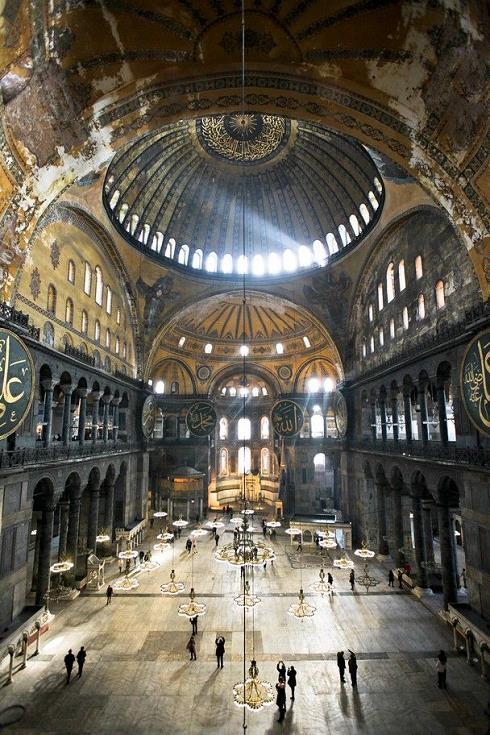 مسجد ایا صوفیه,مساجد استانبول,مکان های زیارتی استانبول