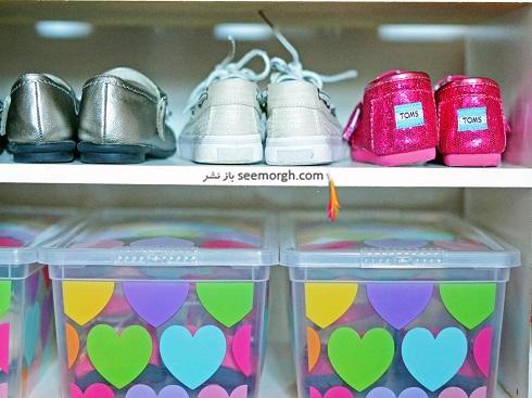 مرتب کردن اتاق کودک با چيدن کفش ها در قفسه باز,روشهاي مرتب کردن اتاق کودک,ترفندهاي مرتب کردن اتاق کودک