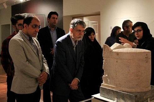 وزیر ارشاد در موزه ملی, بازدید وزیر ارشاد از موزه لوور کوچک