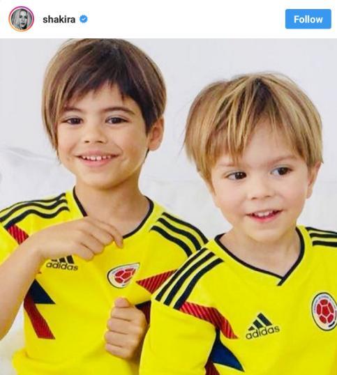 فرزندان شکيرا و پيکه با لباس کلمبيا