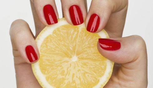 Outdated Manicure - عواملی که باعث می شود دست تان پیر به نظر برسد و راه حل رفع آن