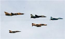 جنگنده های ارتش بر فراز آسمان تهران