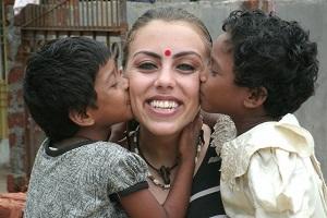 بیوگرافی نرگس کلباسی و عکس های کمتر دیده شده از وی در هند!