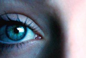 چشمان کاملا متفاوت این زن +عکس