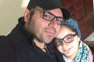 شهرام قائدی  برای یک کار خیر موتور, ساعت و عینکش را فروخت! + عکس