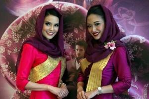 عکس های جالب از حجاب مهانداران زن تایلندی در ایران