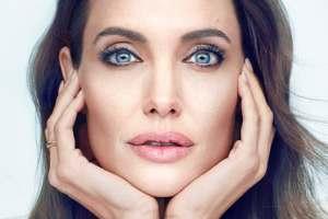 چهره آنجلینا جولی پس از طلاق از برد پیت