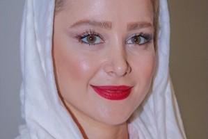 الناز حبیبی با انتشار عکسی تولد خواهرش افسانه را تبریک گفت
