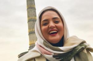 عکس هایی از گردش نرگس محمدی در برلین آلمان