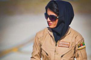نیلوفر رحمانی زیباترین خلبان زن! عکس