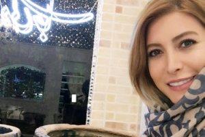 حضور علی دایی در رستوران خانم بازیگر و گرفتن عکس یادگاری! عکس