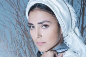 استفاده هدی زین العابدین از لُنگ بجای روسری! عکس