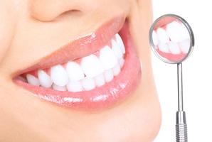 این 7 ماده غذایی دندان ها را زرد می کنند