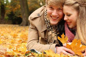 دلیل افزایش میل جنسی مردان در فصل پاییز چیست؟