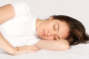چرا خوابیدن روی پهلوی چپ بهترین حالت خوابیدن است؟