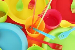 ظروف پلاستیکی(پلاسکو) 2 هزار تومانی در سطح معابر را نخرید