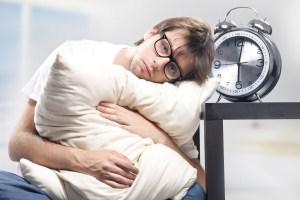 شب ها کمتر از 7 ساعت نخوابید