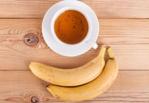 درمان بی خوابی با چای موز و دارچین