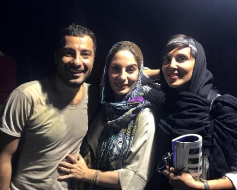نوید محمدزاده و خواهرش در کنار لیلا بلوکات
