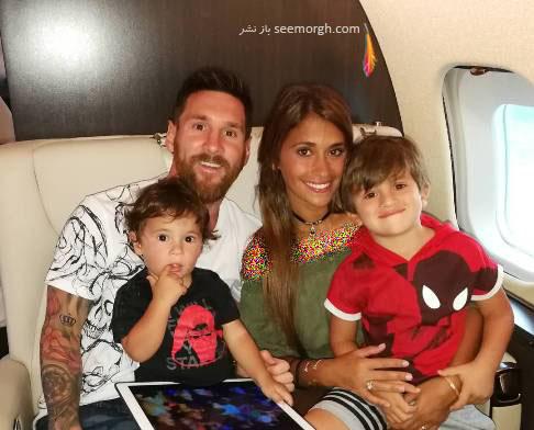 مسی و همسر و فرزندانش درحال بازگشت به بارسلون