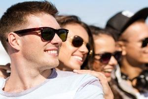 کدام رنگ عینک آفتابی مضر است؟