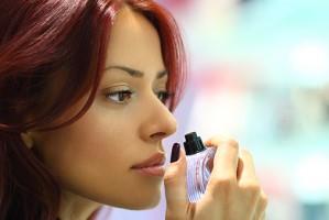 how to buy perfium نکته های ساده ای که به شما کمک می کند عطر تقلبی را به راحتی تشخیص دهید