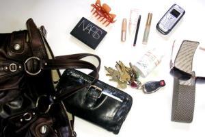 what do we carry in women purse در کیف خانم های خوش تیپ و باکلاس چه می گذرد؟