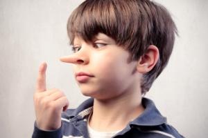 چگونه راستگویی را به کودکم یاد بدهم؟